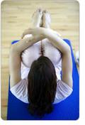 Grundlagen Pilates Übungen