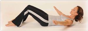 Roll-Downs ins Liegen Pilates Übung
